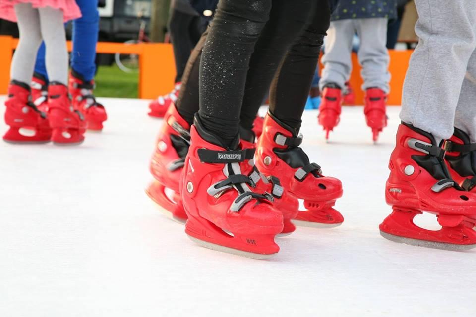 Kerst-schaatsen in Rijen